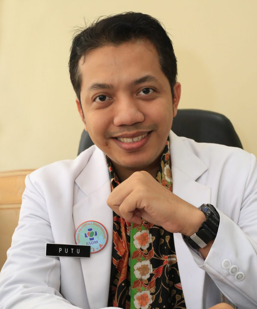 dr. PUTU WIJAYA KANDHI, Sp.THT-KL